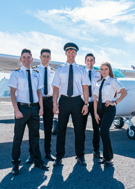 SKYHAWK - Escuela del Aire